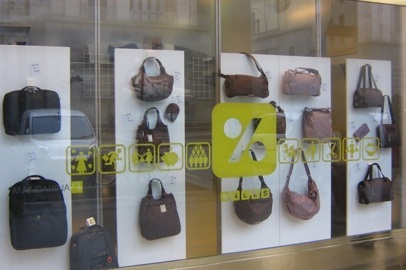 "oysho communication  bershka, stradivarius, oysho, zara home and uterque) with 5,527  style"" that  aims to promote blogging as a means of communication."
